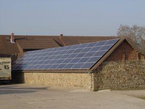 Henke Dachdeckerei | Zimmerei | Solartechnik  für Schaumburg - Elektromobilität erfordert mehr Photovoltaik
