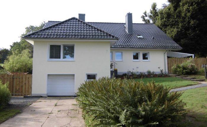 Henke Dachdecker - Dacheindeckung mit Tondachziegeln in Nienstädt bei Stadthagen (Landkreis Schaumburg-Lippe)