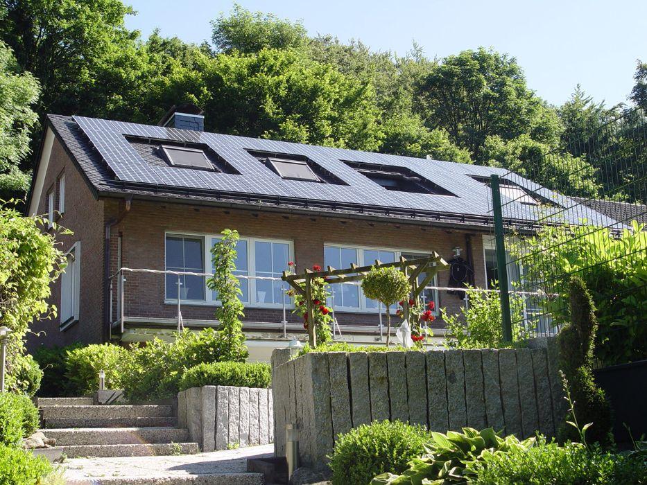 Henke - Photovoltaik * Solarstrom * Solarwärme * Solarthermie * Solarstromspeicher * Solarstrom-Anlage und Photovoltaik-Anlage