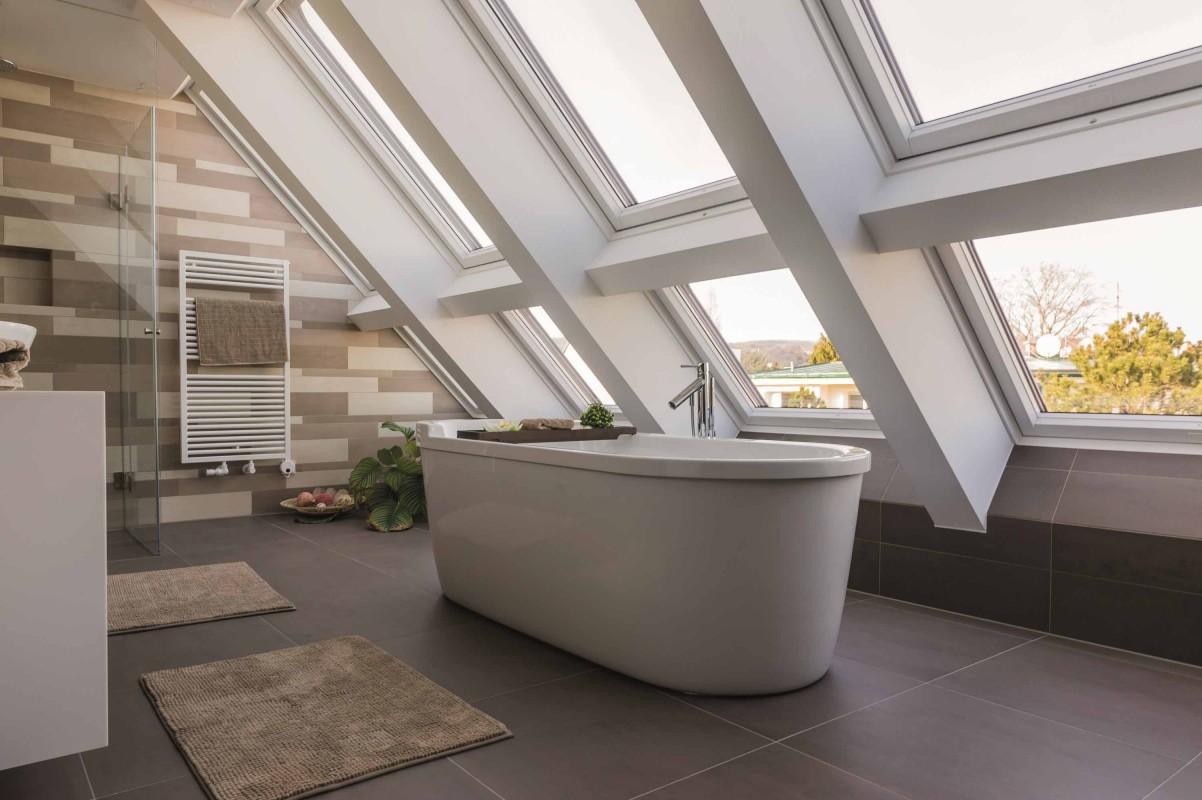 Henke Dachdecker für Bückeburg - Roto Dachfenster Quattro