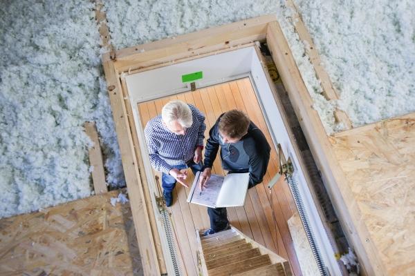 Henke Zimmerei für Rinteln - Neue ISOVER Einblasdämmung aus Mineralwolle
