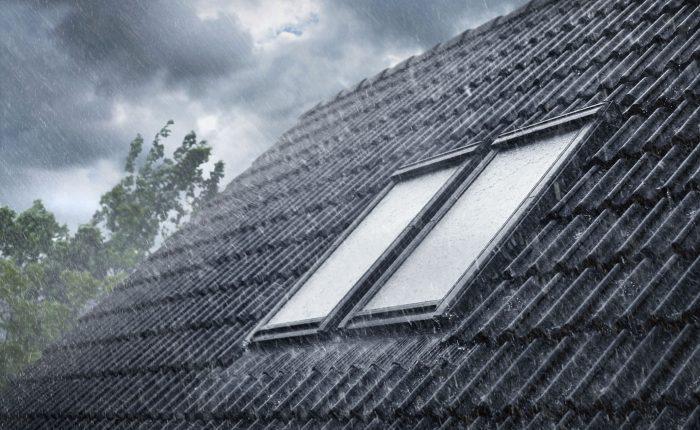 Henke Dachdecker für Stadthagen - Sorgloses Lüften trotz drohendem Regen und Sturm Zubehör für Velux Dachfenster stellt gutes Raumklima automatisch und sicher her