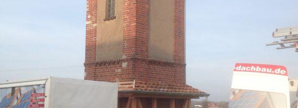 Henke Dachdecker für Schaumburg - Umnutzung eines ehem. Trafohaus zum Insektenhotel für den Naturschutzbund Deutschland Ortsgruppe NABU Bückeburg