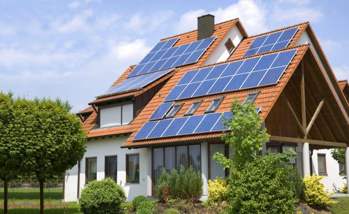 Henke Dachdecker | Zimmerei | Solartechnik für Schaumburg - GEG, BEG, WEG, EEG – was müssen Eigentümer wissen? Wichtige Gesetzesänderungen für Haus- und Wohnungsbesitzer 2020/2021