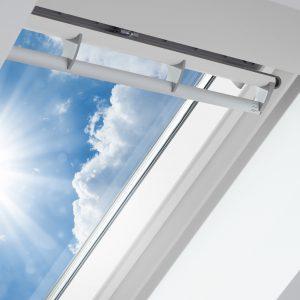 Henke Dachdeckerei | Zimmerei | Solartechnik für Bueckeburg - Wer die Hitzeeinstrahlung durch die Fensterscheibe reduzieren will, sollte Verglasungen mit besonders geringem g-Wert wählen.
