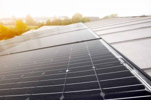 Henke Dachdeckerei   Zimmerei   Solartechnik für Stadthagen - Photovoltaik-Module von SOLARWATT erzielen gutes Ergebnis beim LeTID-Benchmark