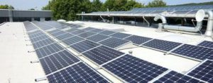 Henke Dachdeckerei | Zimmerei | SOlartechnik für Stadthagen - Photovoltaik-Anlagen auf Flachdach und Gründach