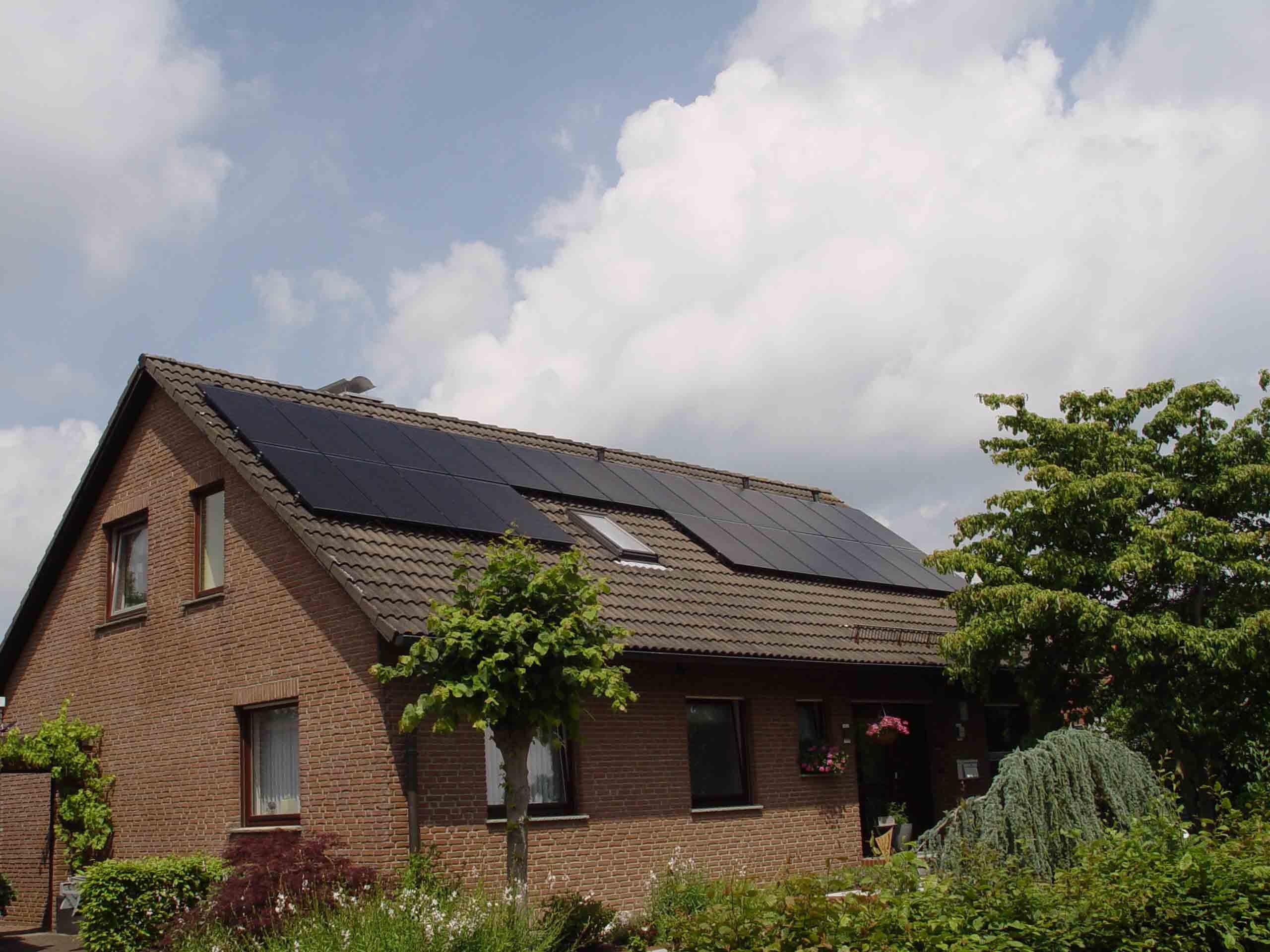 Henke Dachdecker | Zimmerei | Solartechnik für Stadthagen - Solaranlage