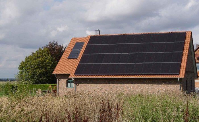 Henke Dachdeckerei | Zimmerei | SOlartechnik - Photovoltaikanlage