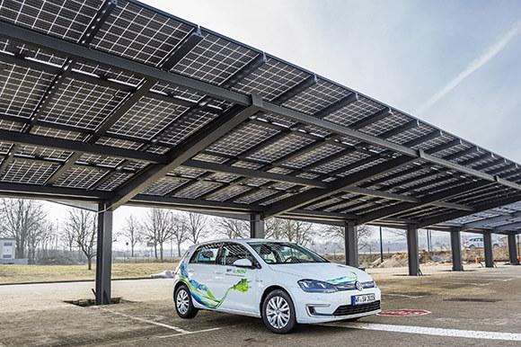 Henke Solartechnik für Rinteln - SOLARWATT bringt einziges Standard-Photovoltaik-Modul mit allgemeiner bauaufsichtlicher Zulassung auf den Markt
