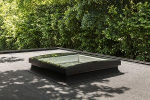 Henke Dachdeckerei | Zimmerei für Stadthagen - VELUX Flachdach-Dachfenster Konvex