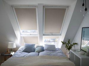 Henke Dachdecker | Zimmerei | Solartechnik für Schaumburg - VELUX Verdunkelungs-Rollo für Dachfenster