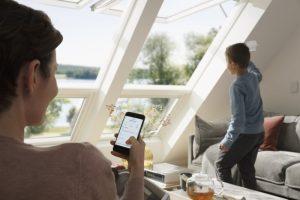 Henke Dachdecker für Stadthagen - VELUX Dachfenster und Sonnenschutz jetzt mit App Control per Smartphone bedienen – auch von unterwegs