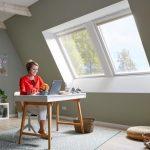 Henke Dachdecker für Bückeburg - Das Dachgeschoss mit VELUX Dachfenster für die konsequente Trennung von Arbeit und Privatleben nutzen